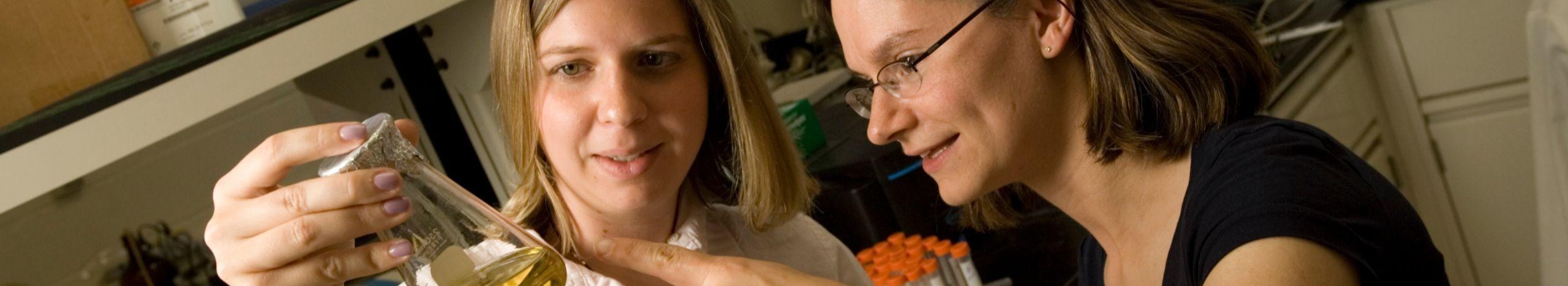 Gunsch and MOrey in lab